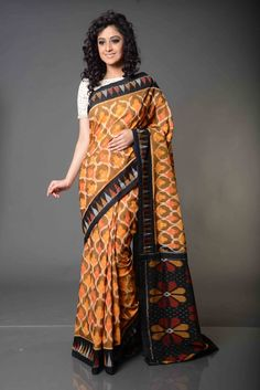 Chinmayi Strip Patterned Double Ikat Pochampally Cotton Saree