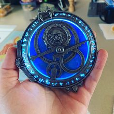 Amulet of Daylight / Eclipse, Printed, rechargeable LED, Unofficial. Trollhunters Characters, Epilepsy Warning, 3d Printed Objects, Card Captor, Acrylic Spray, 3d Prints, How To Train Your Dragon, Biodegradable Products, Great Gifts