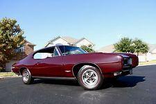 Pontiac : GTO 2 door coupe