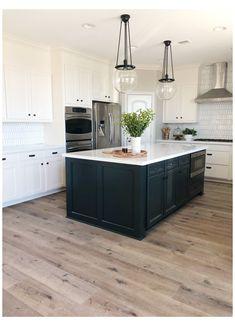 Farmhouse Kitchen Tables, Kitchen Redo, Home Decor Kitchen, Kitchen Interior, New Kitchen, Home Kitchens, Kitchen Remodel, White Cabinet Kitchen, Kitchen Ideas