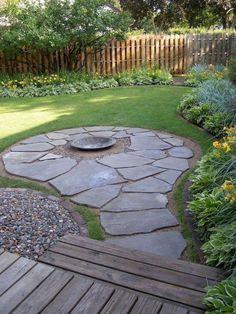 Newest Backyard Fire Pit Design Ideas That Looks Great 22 Fire Pit Seating, Backyard Seating, Small Backyard Landscaping, Fire Pit Backyard, Backyard Patio, Landscaping Ideas, Backyard Ideas, Mulch Landscaping, Garden Ideas