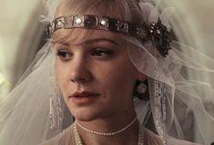 Mon petit sondage de début juillet m'a indiqué qu'une majorité de lecteurs et lectrices souhaitait un article sur les costumes du film «Gatsby le magnifique» de …
