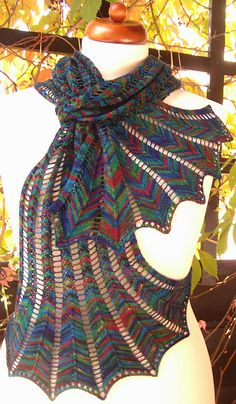 Hypernova! I love this scarf pattern from Arlene's World of Lace. Maybe the next scarf I knit. knitting
