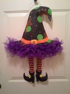 Burlap Witches Hat Door Hanger by AsheliCoutureConcept on Etsy Moldes Halloween, Adornos Halloween, Halloween Sewing, Easy Halloween Crafts, Halloween Door, Halloween 2017, Diy Halloween Decorations, Holidays Halloween, Happy Halloween
