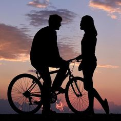 If love is the treasure, Laughter is the key. Beautiful Photos Of Nature, Beautiful Pictures, Colorful Pictures, Cool Pictures, Boy Crying, Silhouette Photography, Bicycle Girl, Bike, Sky Art