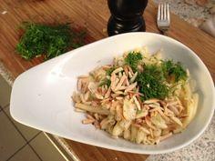 Zitronenpasta mit Pinienkernen und Ruccola  Freunde am Kochen Pasta, Risotto, Spaghetti, Dishes, Cooking, Ethnic Recipes, Food, Rain Days, Pine Tree