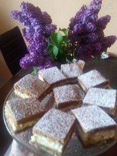 Rebarborový koláč s tvarohom - recept | Varecha.sk Krispie Treats, Rice Krispies, Rum, Baking, Desserts, Food, Basket, Fine Dining, Tailgate Desserts