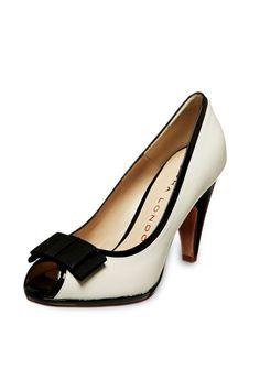 Venta Sacha London Zapatos de Tacón de Piel Crudo y Negro, antes 125€ ahora 49€ en divinitycollection.es
