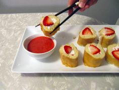 strawberry shortcake sushi. can this get any better?