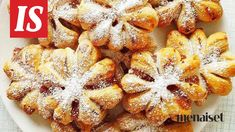 Joulutorttu ei ole herkkupöydän trendikkäin tuttavuus. Mutta helpolla taittelutekniikalla tortut saavat ihan uuden ilmeen. Cute Baking, Something Sweet, Christmas Baking, Christmas Recipes, Healthy Treats, Vegan Desserts, Sweet Recipes, Sweet Treats, Food Porn