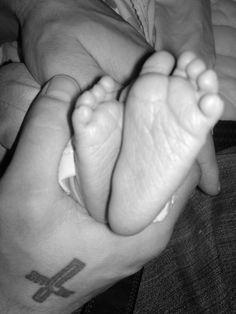 M!ka's feet