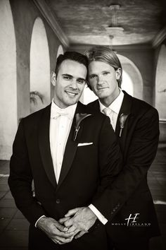 Same Sex wedding Photographer in San Diego California. Balboa Park's San Diego Museum of Art Wedding Photos with Kevin and Darren. Gay weddings in CA.