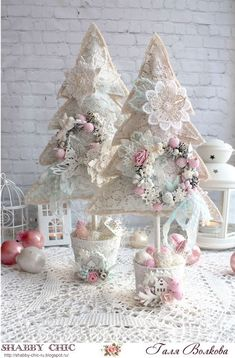 Chic Garden Simple and Creative Tips and Tricks: Shabby Chic Table Annie Sloan shabby chic bedding porches. Jardin Style Shabby Chic, Shabby Chic Mode, Shabby Chic Salon, Cocina Shabby Chic, Shabby Chic Vintage, Shabby Chic Garden, Shabby Chic Interiors, Shabby Chic Crafts, Shabby Chic Bedrooms