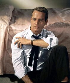 In nearly every shot, in any angle or lighting--has there ever been a more classically flawless male face on film than Paul Newman? MATINEE IDOL nominates Paul Newman: Handsomest Man in History!who better than him? Hollywood Stars, Old Hollywood, Hollywood Walk Of Fame, Classic Hollywood, Hollywood Glamour, Men's Style Icons, Paul Newman Joanne Woodward, Kirk Douglas, Veronica Lake