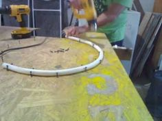 my PVC Arches bending the pipe Pvc Pipe Crafts, Pvc Pipe Projects, Diy Art Projects, Wood Projects, Balloon Arch Diy, Ballon Arch, Balloon Ideas, Christmas Lights Etc, How To Bend Wood