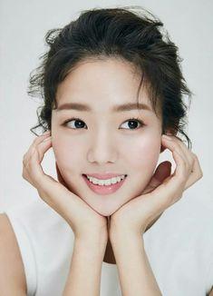 Chae Soo Bin (채수빈) Korean Beauty, Asian Beauty, Robot 2017, Chae Soobin, Most Beautiful, Beautiful Women, Hallyu Star, Korean People, Korean Actresses
