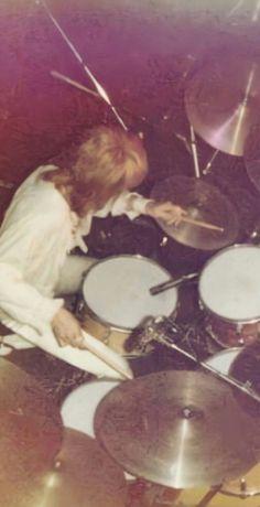 Rogers Drums, Queen Drummer, Roger Taylor Queen, Barbie, Killer Queen, Rock Legends, Great Bands, Handsome, Music