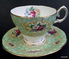 Gainsborough Bell China UK Tea Cup & Saucer c1950s Daisy Chintz Rose