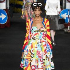 It's Fashion-Week, Baby! Die skurrilsten Outfits von Moschino, Versace & Co. zeigen wir euch in unserem aktuellen Blogbeitrag!  http://www.activelifestyle-blog.com/its-fashion-week-baby/   © vogue.de via Yannis Vlamos (indigitalimages.com)
