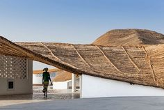 The cultural centre designed by Toshiko Mori in a rural village in Senegal – commissioned by Josef and Anni Albers Foundation – features local materials and local builders to give shape to an artist residency that is also a hub for the local community. Architecture Durable, Vernacular Architecture, Sustainable Architecture, Contemporary Architecture, Architecture Design, Dezeen Architecture, Hotel Am Meer, Local Builders, Casamance