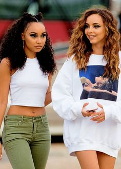 Discovered by natalia ♡ᵕ̈. Find images and videos about little mix, jade thirlwall and leigh-anne pinnock on We Heart It - the app to get lost in what you love. Leigh Little Mix, Jade Little Mix, Little Mix Style, Little Mix Girls, Jesy Nelson, Perrie Edwards, Little Mix Outfits, Cute Outfits, Pretty People