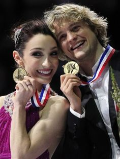 Meryl Davis & Charlie White, pose with their gold medals at the 2012 United States Figure Skating Championships.