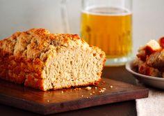 Pão de cerveja - Muito simples de fazer, esse pão fica alto – por conta do álcool na cerveja- e seu sabor vai variar de acordo com o estilo de cerveja que você usar. No café da manhã, fica delicioso se feito como rabanada. Ingredientes 3 xícaras de farinha de trigo 1 colher de sopa rasa de fermento em... leia mais