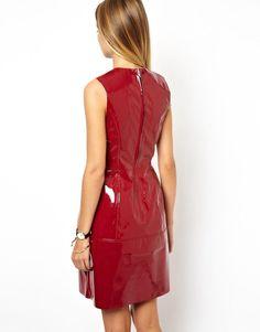 ASOS | ASOS – Oval geschnittenes Kleid mit Nähten aus PU bei ASOS