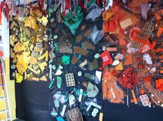 Collage de colors Realitzat amb diferents materials del color del mural
