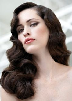 20 stilvolle Retro-Wellen-Frisur-Tutorials und Haar-Looks Frisuren Wedding Hairstyles For Long Hair, Wedding Hair And Makeup, Hair Makeup, Hair Wedding, Vintage Hairstyles For Long Hair, Makeup Hairstyle, Wedding Reception Hairstyles, Celebrity Wedding Hair, Short Hair