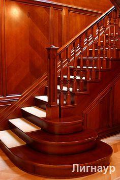 Деревянная лестница с приглашающими ступенями. - деревянные лестницы, интерьеры из дерева, отделка деревом   дизайн проекты, дизайны интерьера   столярные изделия   мебель из натурального дерева