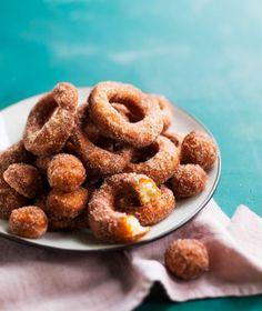 Parhaat vappumunkit, hauskat churrot ja helpot uunidonitsit Doughnut, Cereal, Croissant, Cookies, Baking, Breakfast, Desserts, Crack Crackers, Morning Coffee