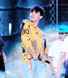 """we-hate-bts: """" honeyinhales: """" my fave jhope fancam """" what a babe """" Seokjin, Kim Namjoon, Kim Taehyung, Jungkook V, Yoongi, Bts Bangtan Boy, Jung Hoseok, J Hope Gif, Bts J Hope"""