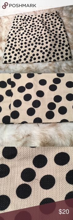 """Gently used J. Crew polka dot mini skirt size 6 Gently used. Pictures shows small snags. Skirt length is 16.25"""". Skirt is 54% cotton, 46% modal. Lining is 100% polyester. Has side pockets!! J. Crew Skirts Mini"""