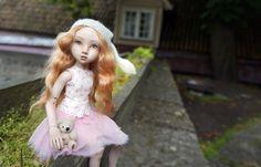 Bjd Dolls, Ball Jointed Dolls, Cool Photos, Aurora Sleeping Beauty, Porcelain Doll, Disney Princess, Disney Characters, Artist, Artists