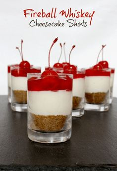 No-bake Fireball Whiskey Cheesecake Shots. A boozy dessert that's perfect for entertaining! No-bake Fireball Whiskey Cheesecake Shots. A boozy dessert that's perfect for entertaining! Alcoholic Desserts, Köstliche Desserts, Delicious Desserts, Dessert Recipes, Yummy Food, Alcoholic Shots, Dessert Food, Healthy Food, Fancy Desserts