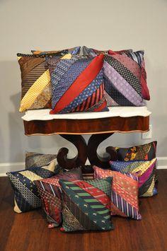 Diy Necktie Projects, Mens Ties Crafts, Tie Crafts, Sewing Projects, Sewing Tips, Old Neck Ties, Old Ties, Necktie Quilt, Shirt Quilts