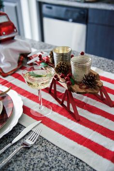 Small Space Holiday Decorating Ideas http://blog.homedepot.com/small-space-holiday-decorating-ideas/