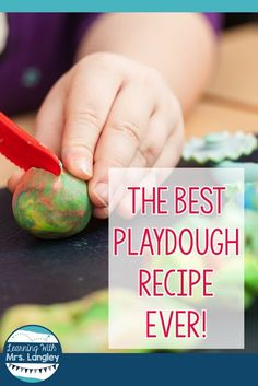 This is absolutely the best play dough homemade recipe ever! This will add fun to all of your kindergarten and preschool DIY creations. Every center is better with play dough! This post will show you (with pictures!) how to make the best play dough ever! First Grade Classroom, Primary Classroom, Art Classroom, Classroom Ideas, Reading Lessons, Math Lessons, Guided Reading, Kindergarten Centers, Kindergarten Classroom