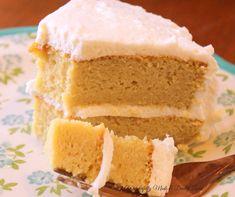 Vanilla mayonnaise cake (thm s, low carb) Mayonaise Cake, Chocolate Mayonnaise Cake, Vanilla Mayonnaise Cake Recipe, Low Carb Sweets, Low Carb Desserts, Healthier Desserts, Stevia, Mini Cakes, Cupcake Cakes