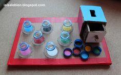 http://isisalebien.blogspot.com.es/2012/11/pequeno-juego-con-materiales-reciclados.html