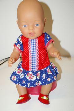 Baby Born jurk en schoentjes.