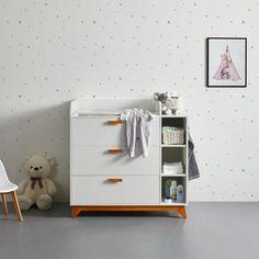 Wickelkommode in Weiß und Braun online bestellen Dresser, Furniture, Home Decor, Engineered Wood, Drawers, Get Tan, Powder Room, Stained Dresser, Interior Design