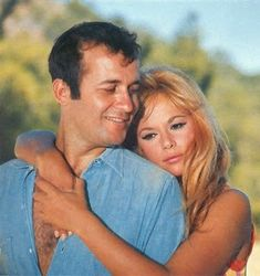 Aliki and Dimitris, the golden couple of the old greek movies Greek Girl, Old Greek, Greek Beauty, You Make Me Laugh, Making A Movie, We Movie, Royalty Free Music, Music Like, Old Movies