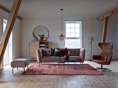 Slik innreder du med farger Entryway Bench, Oversized Mirror, Furniture, Home Decor, Entry Bench, Hall Bench, Decoration Home, Room Decor, Home Furnishings