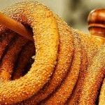 Κουλούρι Θεσσαλονίκης (Η αυθεντική συνταγή) Onion Rings, Food Porn, Favorite Recipes, Snacks, Ethnic Recipes, Buns, Breads, Easter, Bread Rolls
