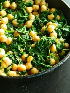 Spinach & Chickpeas from The Collegiate Vegan as part of the Friday Five - 15 Minute Meals addition - Feed Your Soul Too