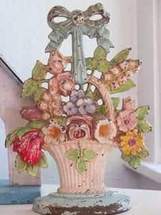 ANTIQUE CAST IRON DOORSTOP, HUBLEY # 189 LILLY OF THE VALLEY, ORIGINAL PAINTS #Americana #Hubley