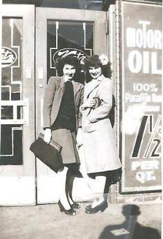 1940 In front of Katz on Main St. Kansas City Missouri