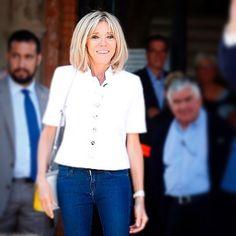 "903 Likes, 29 Comments - #BriBriFirstLady (@brigittemacronfanpage) on Instagram: ""#BriBriFirstFirstLady Superbe portrait de Brigitte Macron par @marcantoinecoulon  Bravo!  Sa…"""